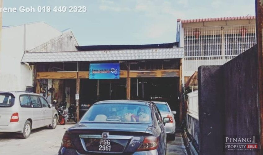 Single Storey Terrace at Jelutong For Rent
