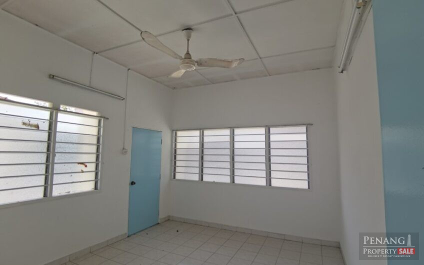 2 storey semi detached house at Century Garden For Rent